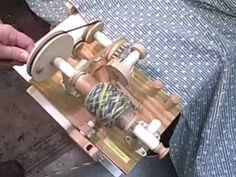 DIY Yarn Winder - YouTube Прядение, Прялки, Нитедержатель, Шерсть, Деревянные Духовые Музыкальные Инструменты, Трикотаж, Хорошие Идеи, Хобби