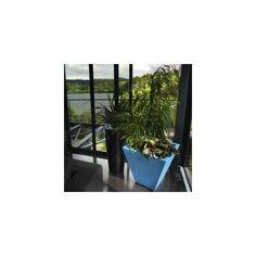 A découvrir sur le show room de poitiers le pot rock garden design qui est paulpot square s design green city http://www.boutique-et-paysage.fr/fr/mobilier-de-jardin/406-pot-square-s-design-green-city.html ou sur http://www.pasquetpaysage.com/