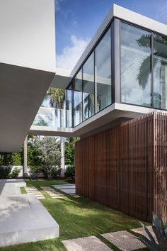 Image 11 of 26 from gallery of Fendi Residence  / rGlobe. Photograph by Emilio Collavino