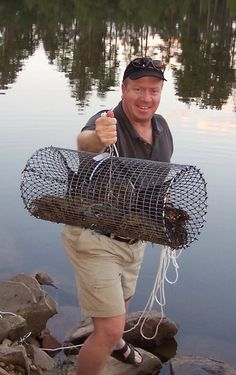 How to Catch Crayfish or Crawfish using the World's Best American Crayfish trap. Fishing Rigs, Gone Fishing, Best Fishing, Trout Fishing, Saltwater Fishing, Kayak Fishing, Fishing Knots, Fishing Stuff, Crawfish Traps