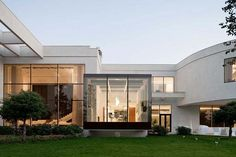 Outstanding Modern Villa With Distinctive Facade In Moscow | Architecture