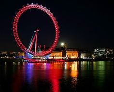 I'm terrified of Ferris Wheels, but if I @Go with Oh to London I'll face my fears for the London Eye