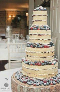 Winter berry wedding cake