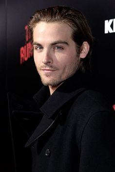 Kevin Zegers at event of The Runaways (2010)
