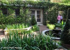 Austin Open Days Tour 2012: Garden of Yvonne Tocquigny and Tom Fornoff | Digging