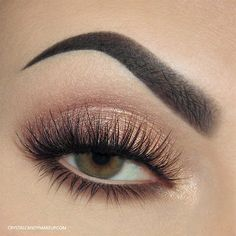 always creating magic. Lashes No. 8 Rivages eyeshadow palette, Lise Watier Smokey Kohl in Nude Velours. Brows Brow Wiz in Ebony & Brow Powder Duo in Dark Brown. Makeup Goals, Makeup Inspo, Makeup Inspiration, Beauty Makeup, Flawless Makeup, Makeup Ideas, Tweezing Eyebrows, Threading Eyebrows, Cut Crease Makeup