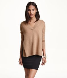 Soft camel cashmere sweater with dropped shoulders, and a slouchy fit. | Warm in H&M