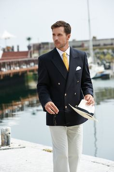 What better way to look smart than with our double breasted blazer in navy?