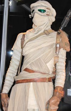 Rey - Star Wars Episode VII The Force Awakens @ Walt Disney Pictures / Lucasfilm