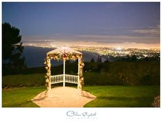 Outdoor Beach Cliffside Ceremony | Sunset Wedding | La Venta Inn - Palos Verdes Estates, Ca Wedding | By: Chelsea Elizabeth Photography | chelseaelizabeth.com
