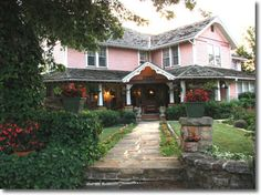 The Inn at Mountain View Mountain View, AR! Love this place! Mountain View Arkansas, Bed And Breakfast, Where To Go, Cigar, Tourism, Photo Galleries, Sweet Home, Bucket, Cabin