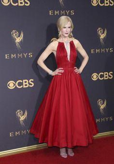 Nicole Kidman en la alfombra roja de los Emmy 2017, como siempre impecable. #estilista #personalshopper #asesordeimagen #coachdeimagen