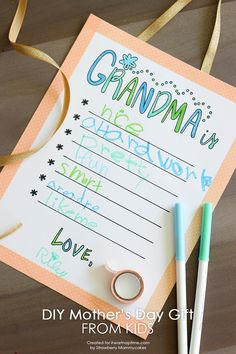 A quick and easy DIY Mother's Day gift from kids w/ FREE printable! Cute Mother's day gift idea, for grandma too!