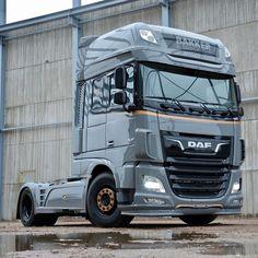 Customised Trucks, Custom Trucks, Show Trucks, Big Trucks, Bus Engine, Big Tractors, Car Camper, Cab Over, Busse