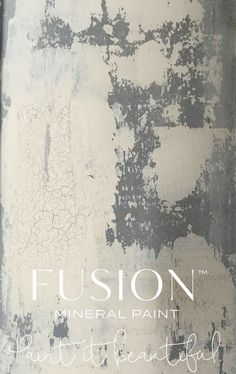 Learn how to Create Textured Vintage Walls • Fusion™️ Mineral Paint... #Walls #Texture #FeatureWall #HomeDecor #DIY