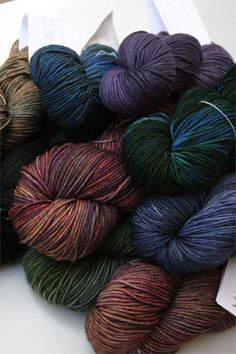 This beautiful 4 ply worsted merino yarn from madelinetosh is driving knitters wild. Extra squooshy indeed, this super soft merino yarn takes the tosh glazes incredibly and opens new knitting possibil