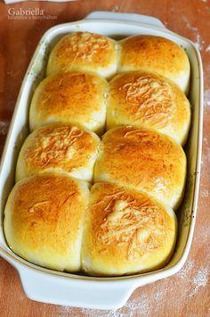 Hot Dog Buns, Hot Dogs, Cheddar, Hamburger, Bread, Recipes, Food, Cheddar Cheese, Brot