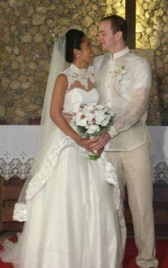 Boracay island wedding. Bridal gown by Tammy Tan.