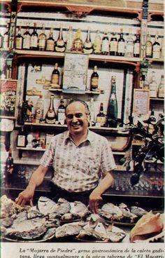 El bar del barrio de La Viña fue famoso por sus frituras, la carne con tomate y las papas aliñás de Antoñita Guillén, que tenían su truco: rebajar el vina