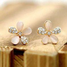 Classy Flower Stud earring