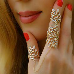 Elegant Rhinestone Statement Fashion Jewelry Unique Finger Double Bracelet Ring #Takimania #Statement