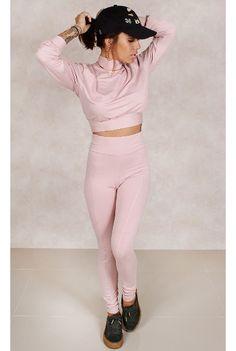 Cropped Oversized Kendall Rosa Fashion Closet - fashioncloset