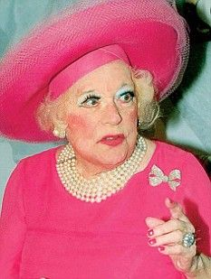 Definitely a touch of the Chick McFlutter in this pic of Barbara Cartland
