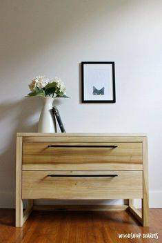 How to Build a DIY Modern Nightstand with Two Large Storage Drawers - Diy Furniture Beds Ideen Wood Pallet Furniture, Diy Furniture Plans, Woodworking Furniture, Diy Woodworking, Furniture Projects, Bedroom Furniture, Popular Woodworking, Woodworking Workshop, Youtube Woodworking