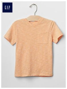 Pocket v-neck tee