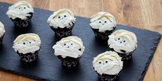 I Want My Mummy Mini Chocolate Cupcakes - Anna Olson Easy Halloween Food, Halloween Baking, Halloween Cupcakes, Halloween Treats, Spooky Halloween, Perfect Cupcake Recipe, Cupcake Recipes, Fun Recipes, Decadent Chocolate