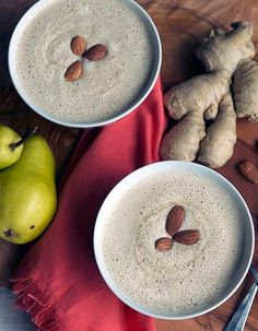 A recipe for a Warm Ginger Pear Smoothie, the perfect smoothie breakfast for cool fall mornings. Fruit Smoothie Recipes, Pear Smoothie, Vegan Smoothies, Juice Smoothie, Breakfast Smoothies, Ginger Smoothie, Milk Shakes, Health Drinks Recipes, Healthy Recipes