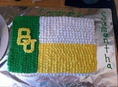 This Baylor Texas flag graduation cake doesn't seem too difficult to make! (Made by @Miranda Sweeney)
