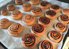 Túró alapú (diós és kakaós) csiga | Molnár Brigitta receptje - Cookpad receptek Healthy Cake, Healthy Recipes, Paleo, Keto, Nutella, Deserts, Muffin, Food And Drink, Snacks