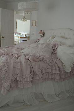 Simply me: Its Here!!! The Rachel Ashwell Petticoat Bedding in Pink!