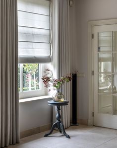 Double Curtains, Curtains With Blinds, Blinds For Windows, Dining Room Curtains, Dining Room Windows, Home Interior Design, Interior Styling, Interior Decorating, Contemporary Curtains