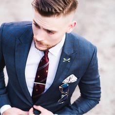 #modern #classic #suit #tie #menfashion #hairstyle #elegant
