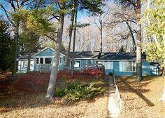 Campbell Cottage: a classic, 4 BR, 2 BA cottage on Big Glen Lake in Glen Arbor, MI. www.lvrrentals.com.
