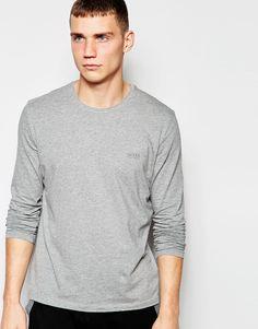 Langärmliges T-Shirt von Hugo Boss weiches Jersey enthält Stretch für eine bequeme Passform Rundhalsausschnitt Logostickerei reguläre Passform - entspricht den Größenangaben Maschinenwäsche 95% Baumwolle, 5% Elastan Model trägt Größe M und ist 189cm/6 Fuß und 2,5Zoll groß