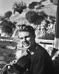 Pinterest ➳ 𝓑𝓵𝓾𝓮𝓲𝓼𝓱𝓢𝓸𝓯𝓲𝓮 George Smith @throughblakesview Instagram New hope club Singer band cute boy #singer #band #cute Blake Richardson, Reece Bibby, New Hope Club, British Boys, New Instagram, The Vamps, Book Fandoms, Hot Boys, Boyfriend Material