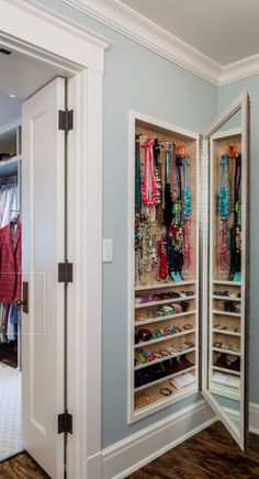 Great in-wall jewelry nook