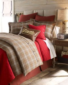 traditional-bed-pillows-and-pillowcases.jpg
