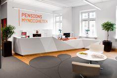 Pensionsmyndigheten Office In Stockholm By Oberg Hadmyr Arkitekter Reception Counter Office Reception Reception Areas
