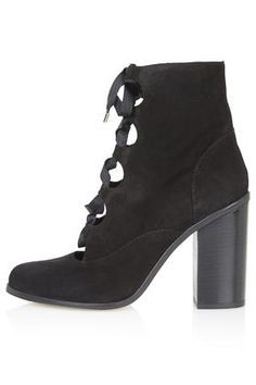 MAGPIE Ghillie Ankle Boots