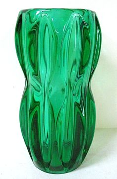 Iconic Bohemian Czech Art Glass Green Vase by Jan Schmid for Rosice Glassworks Green Vase, Teal Green, Shades Of Green, Green Colors, Lush Green, Antique Bottles, Carnival Glass, Glass Design, Lassi