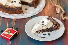 Salmiakki-piparkakkubrownies Sweet Pastries, Winter Food, Sweet Recipes, Cheesecake, Pie, Pudding, Chocolate, Baking, Desserts
