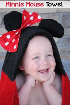 """Minnie Mouse Hooded Towel Tutorial  And more hooded towels...could just leave bow off to make it """"Mickey"""" towel...or sew on some """"buttons"""" too?"""
