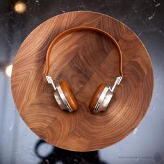 8 Photos that Perfectly Describe Aedle Headphones. High End Headphones, Headset, How To Look Better, Gallery, Photos, Stuff To Buy, Style, Headphones, Ear Phones
