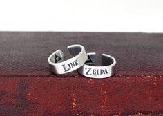 Link and Zelda Ring Set - Triforce - The Legend of Zelda - Nintendo Ring Set