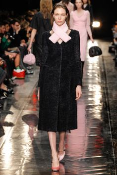 Готовимся к зиме: 10 шуб и теплых пальто - Подиум - Модные показы и fashion-тренды на сайте ИЛЬ ДЕ БОТЭ!