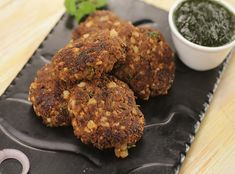 How to make Smoked Patiala Kabab - SK Khazana, recipe by MasterChef Sanjeev Kapoor Recipe Link, Recipe Recipe, Tiffin Recipe, Saag, Bean Burger, Fresh Mint Leaves, Fresh Coriander, Veg Recipes, Biryani